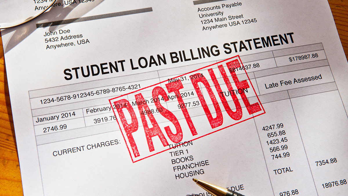 fifth-third-bank-surprised-a-nurse-by-paying-off-185-000-of-her-student-loan-debt